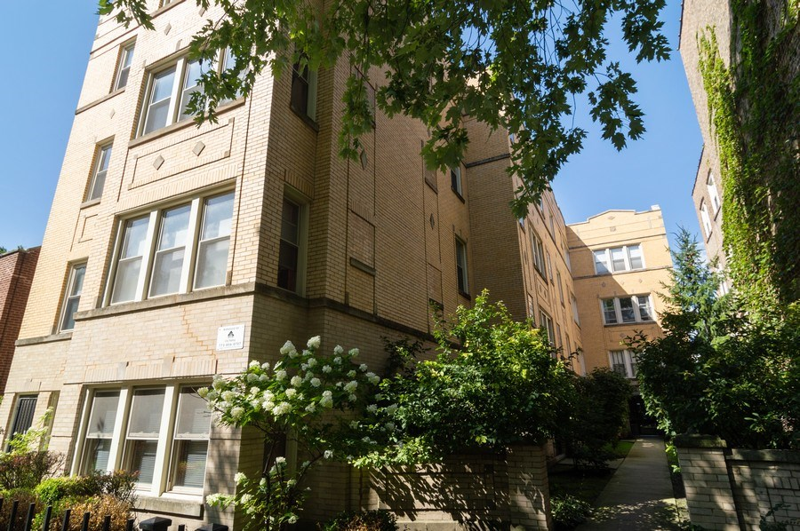 Real Estate Photography - 4104 N Mozart, GE, Chicago, IL, 60618 - Front View