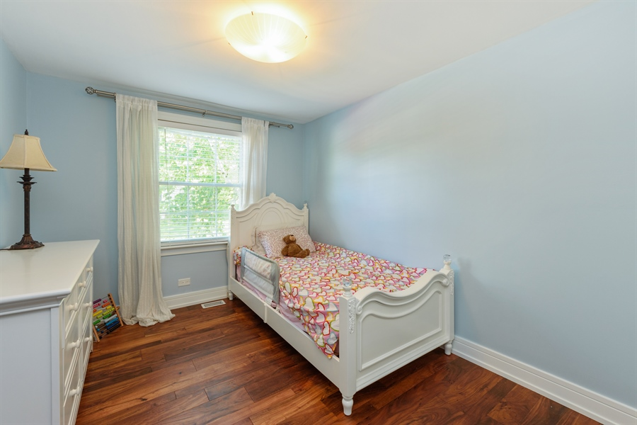 Real Estate Photography - 1001 Heartwood Ln, Lake Zurich, IL, 60047 - 2nd Bedroom