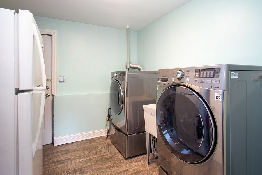 Real Estate Photography - 133 S Evergreen Ave, Addison, IL, 60101 - Laundry Room