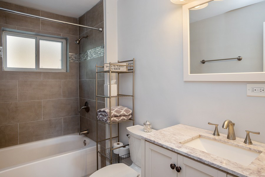 Real Estate Photography - 133 S Evergreen Ave, Addison, IL, 60101 - 2nd Bathroom