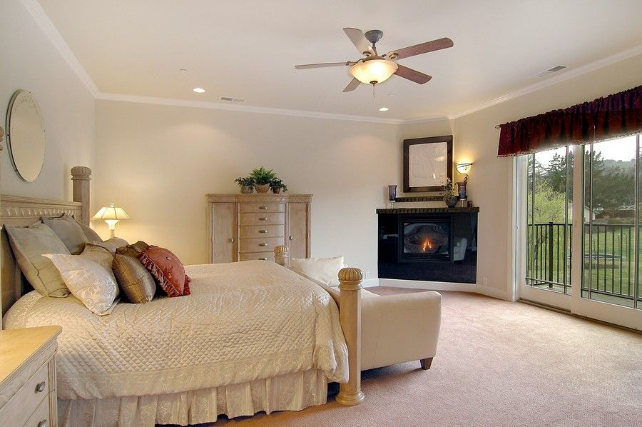 Real Estate Photography - Signature Photography, Any City, IL, 00000 -