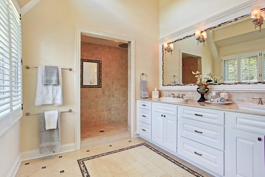 Real Estate Photography - 123 Main, Floor Plan Sample, Chicago, IL, 60018 - Master Bathroom
