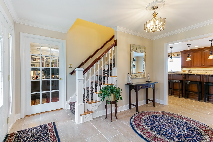 Real Estate Photography - 11 Hertiage Hill Rd, Norwalk, CT, 06851 - Foyer