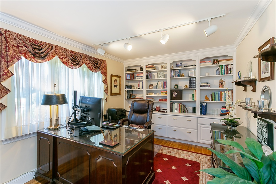 Real Estate Photography - 11 Hertiage Hill Rd, Norwalk, CT, 06851 - Office