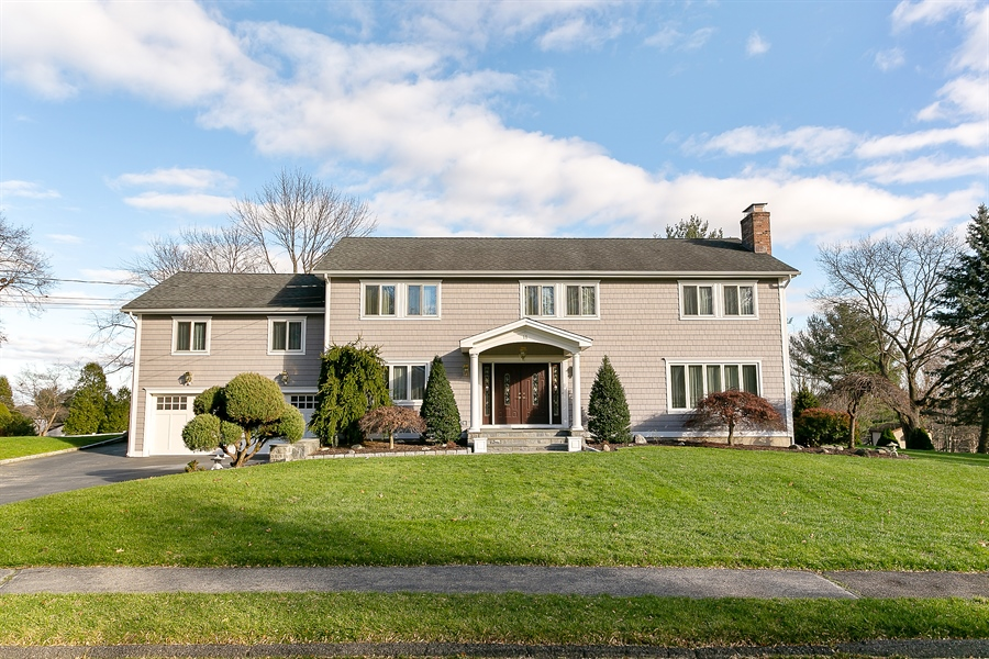 Real Estate Photography - 11 Hertiage Hill Rd, Norwalk, CT, 06851 - Front View