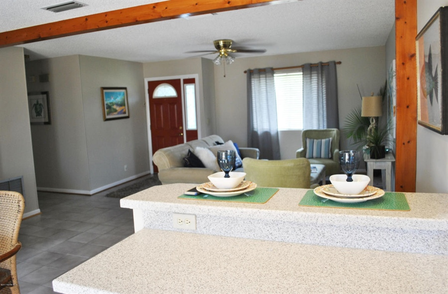 Real Estate Photography - 700 8TH AVE, JACKSONVILLE BEACH, FL, 32250 - Location 6