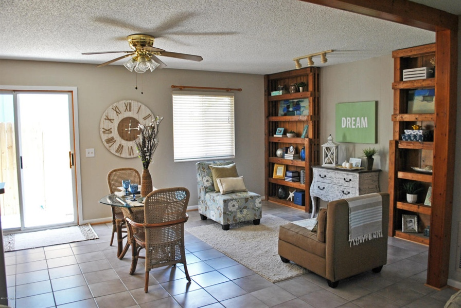 Real Estate Photography - 700 8TH AVE, JACKSONVILLE BEACH, FL, 32250 - Location 8