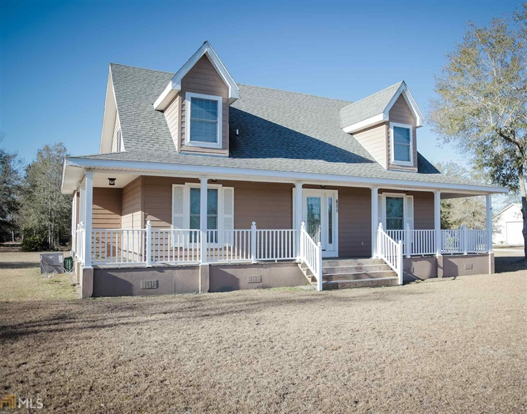 Real Estate Photography - 855 Orange St, Homeland, GA, 31537 - Location 1