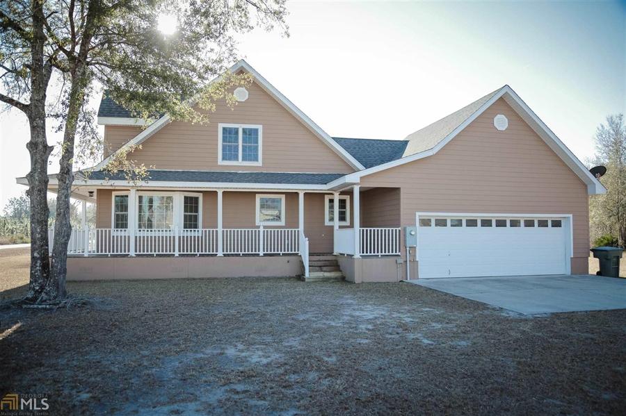 Real Estate Photography - 855 Orange St, Homeland, GA, 31537 -