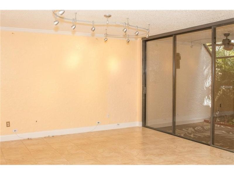 Real Estate Photography - 2869 Marsala Ct, # 869, Orlando, FL, 32806 - Location 5
