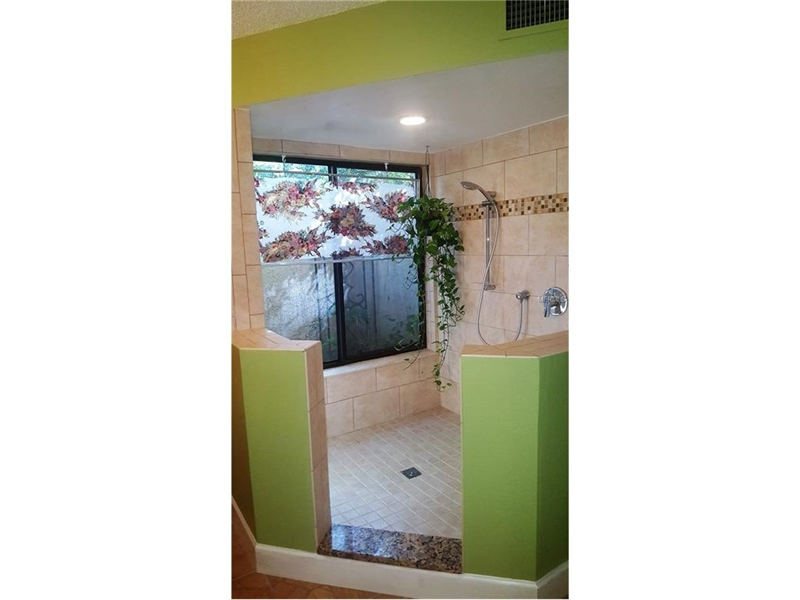 Real Estate Photography - 2869 Marsala Ct, # 869, Orlando, FL, 32806 - Location 14