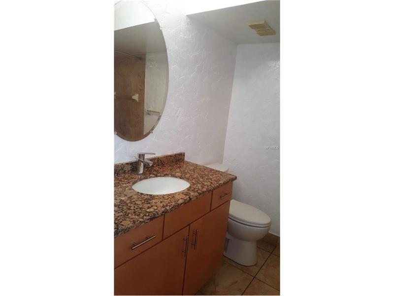 Real Estate Photography - 2869 Marsala Ct, # 869, Orlando, FL, 32806 - Location 17