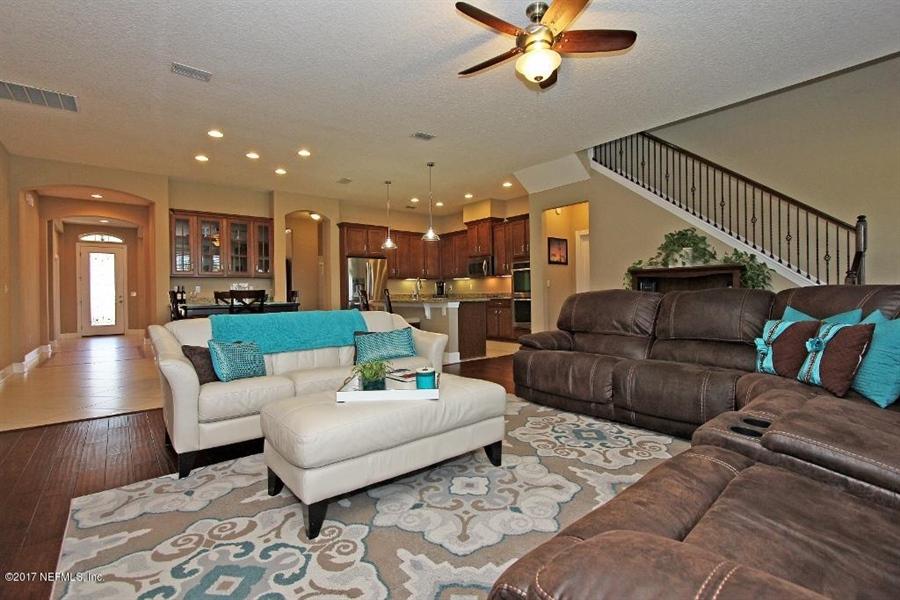 Real Estate Photography - 4205 Eagle Landing Pkwy, Orange Park, FL, 32065 - Location 6
