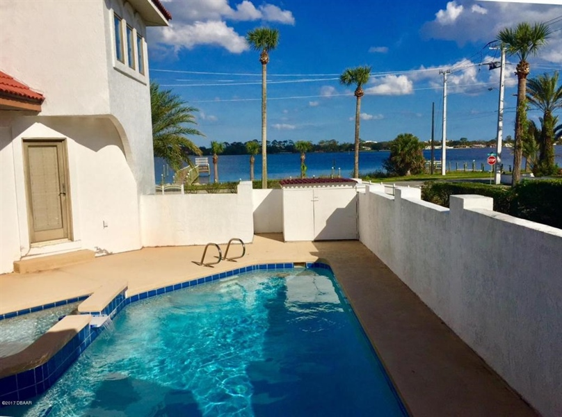 Real Estate Photography - 21 Division Ave, Ormond Beach, FL, 32174 - Location 6