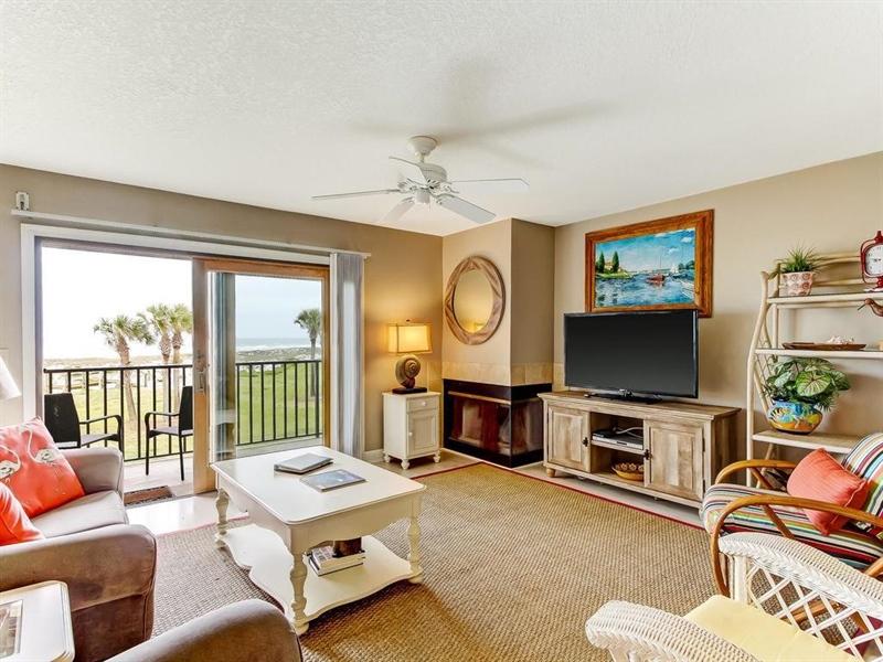 Real Estate Photography - 5010 Summer Beach Blvd, Apt 608, Fernandina Beach, FL, 32034 - Location 3