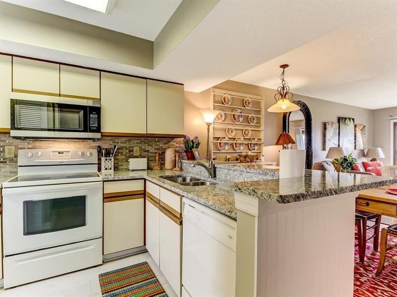 Real Estate Photography - 5010 Summer Beach Blvd, Apt 608, Fernandina Beach, FL, 32034 - Location 16