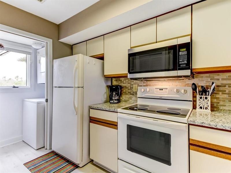 Real Estate Photography - 5010 Summer Beach Blvd, Apt 608, Fernandina Beach, FL, 32034 - Location 17