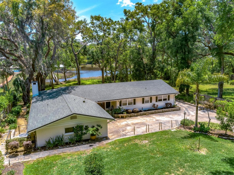 Real Estate Photography - 6714 Strawberry Ln, Jacksonville, FL, 32211 - Location 2