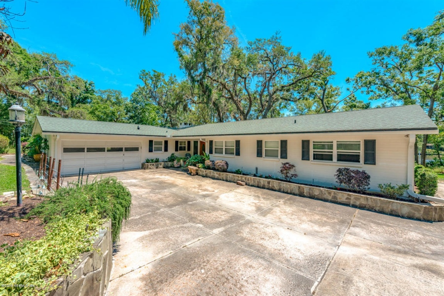 Real Estate Photography - 6714 Strawberry Ln, Jacksonville, FL, 32211 - Location 6