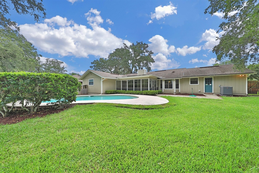 Real Estate Photography - 3144 OLD PORT CIR, JACKSONVILLE, FL, 32216 - EXTERIOR BACK