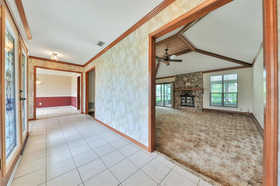 Real Estate Photography - 3144 OLD PORT CIR, JACKSONVILLE, FL, 32216 - FOYER