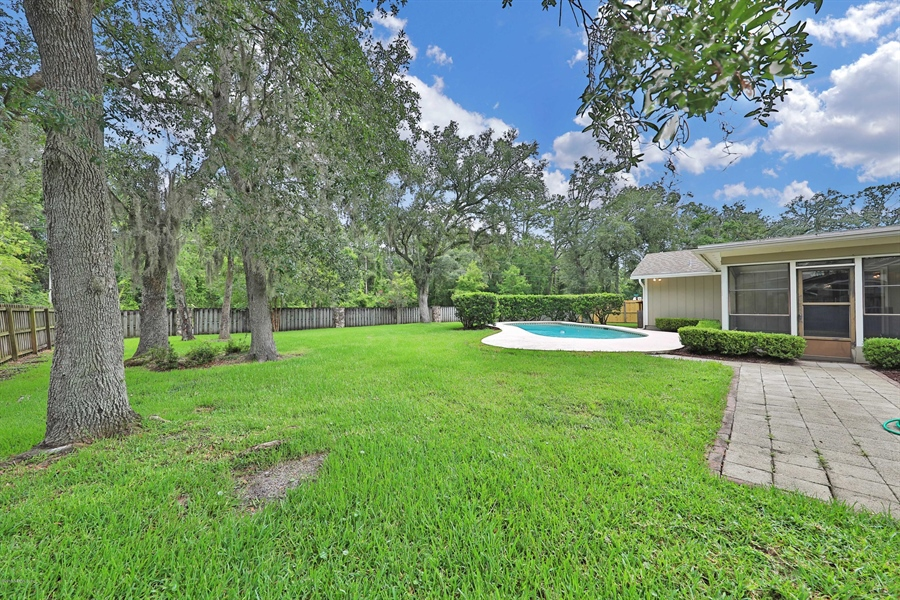Real Estate Photography - 3144 OLD PORT CIR, JACKSONVILLE, FL, 32216 - BIG FENCED BACKYARD