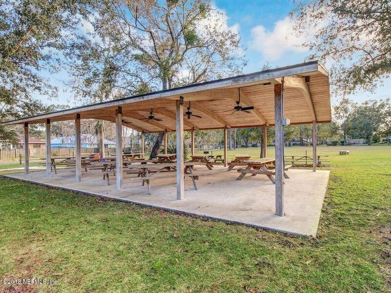 Real Estate Photography - 3144 OLD PORT CIR, JACKSONVILLE, FL, 32216 - COMMUNITY PICNIC AREA