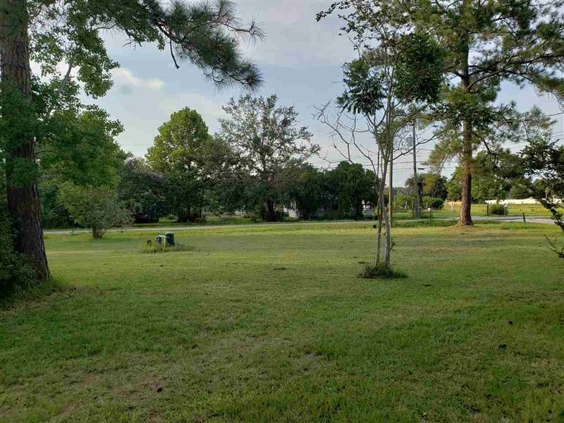 Real Estate Photography - 1360 Howard Rd, Jacksonville, FL, 32218 - Location 5