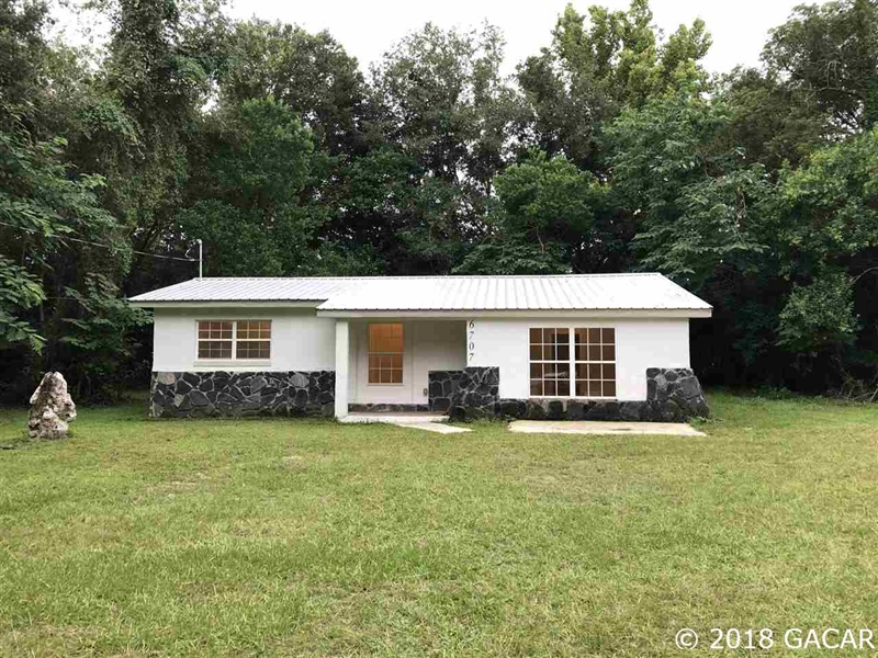 Real Estate Photography - 6707 NE 27th Ave, Gainesville, FL, 32609 - Location 1