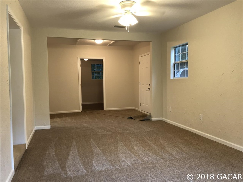 Real Estate Photography - 6707 NE 27th Ave, Gainesville, FL, 32609 - Location 3