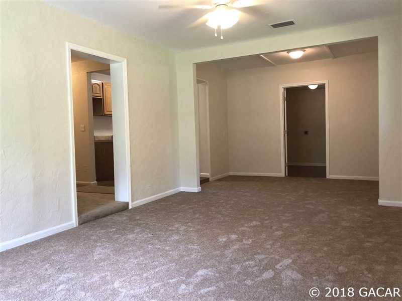 Real Estate Photography - 6707 NE 27th Ave, Gainesville, FL, 32609 - Location 4