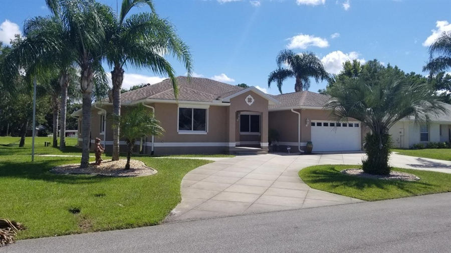 Real Estate Photography - 1621 Yellow Brick Rd, Astor, FL, 32102 - Location 2
