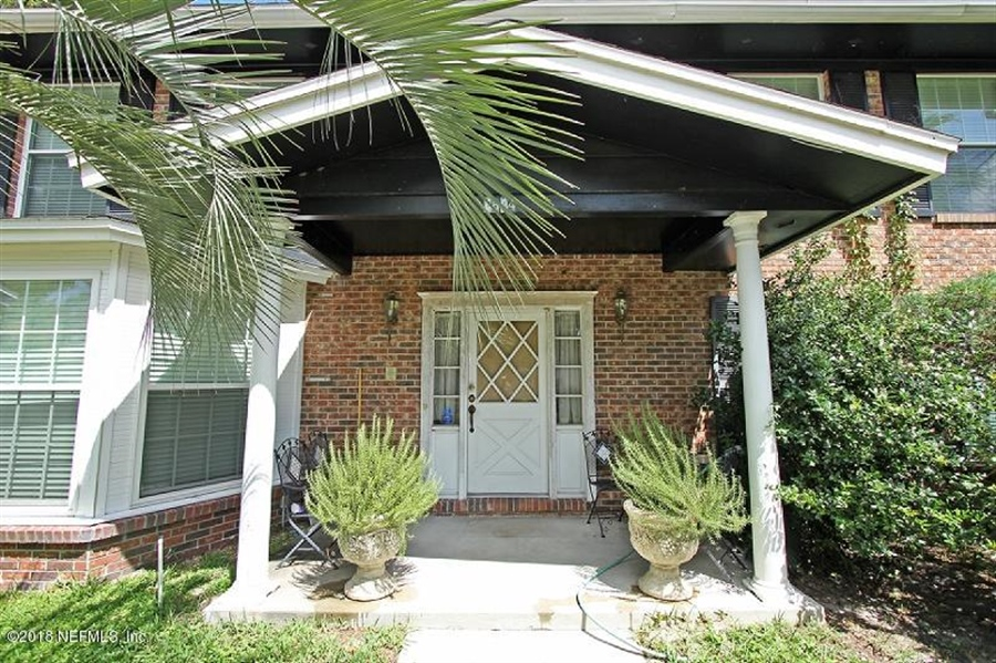 Real Estate Photography - 8604 La Losa Dr W, Jacksonville, FL, 32217 - Location 4
