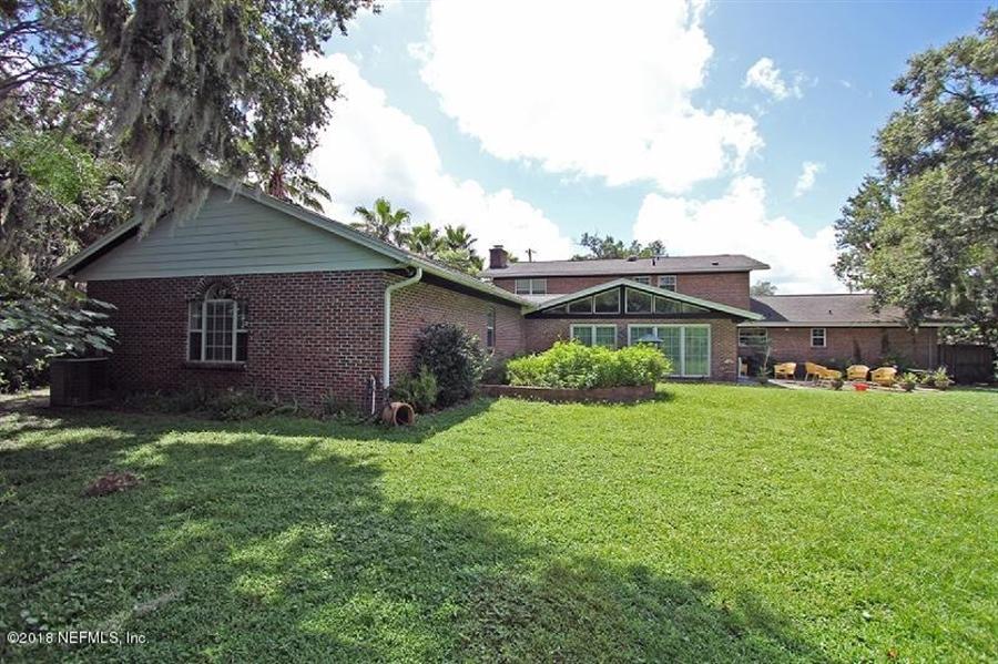 Real Estate Photography - 8604 La Losa Dr W, Jacksonville, FL, 32217 - Location 6