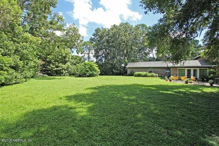 Real Estate Photography - 8604 La Losa Dr W, Jacksonville, FL, 32217 - Location 9