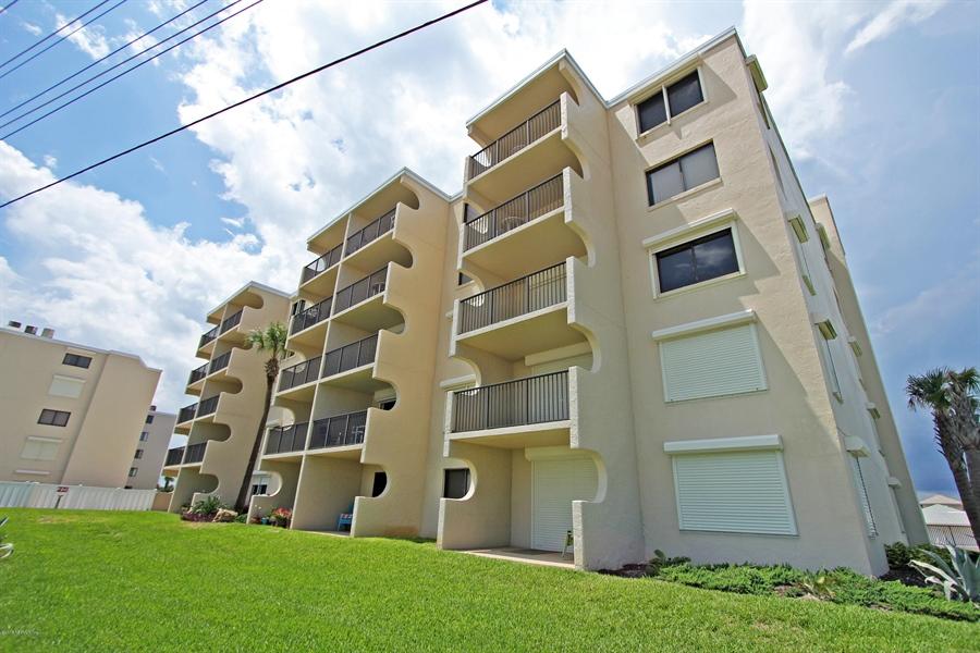 Real Estate Photography - 2222 Ocean Shore Blvd, # B205, Ormond Beach, FL, 32176 - Location 21