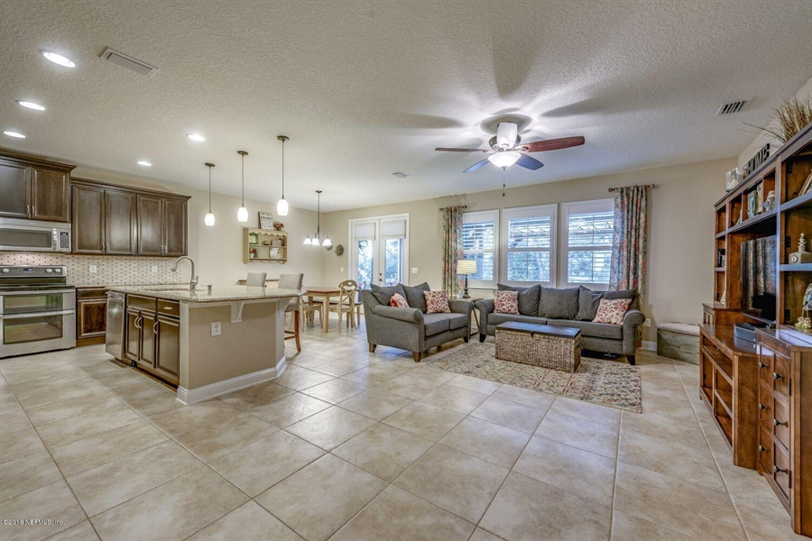 Real Estate Photography - 13118 CHRISTINE MARIE CT, JACKSONVILLE, FL, 32225 - Location 14