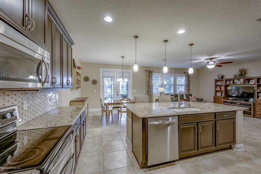 Real Estate Photography - 13118 CHRISTINE MARIE CT, JACKSONVILLE, FL, 32225 - Location 16