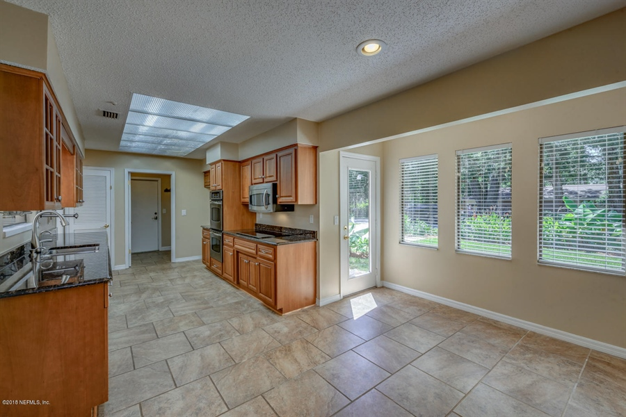 Real Estate Photography - 2905 Isser Ct, Jacksonville, FL, 32257 - Location 16