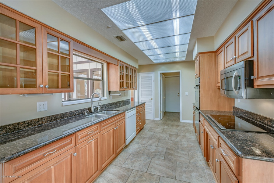 Real Estate Photography - 2905 Isser Ct, Jacksonville, FL, 32257 - Location 17
