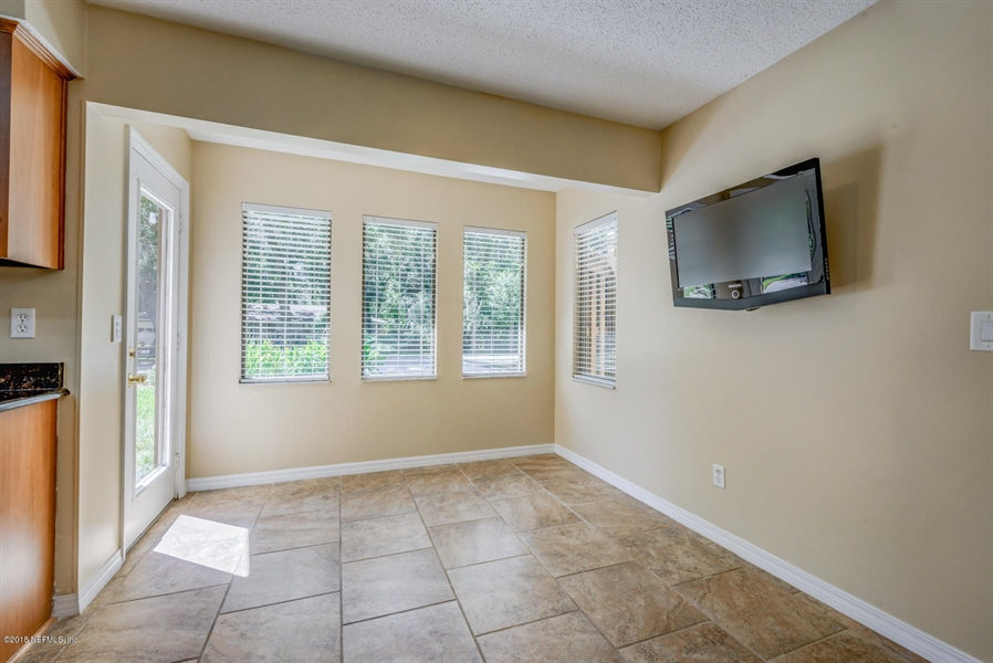 Real Estate Photography - 2905 Isser Ct, Jacksonville, FL, 32257 - Location 19