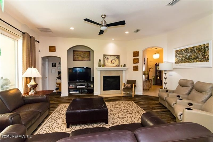 Real Estate Photography - 14438 Christen Dr S, Jacksonville, FL, 32218 - Location 17