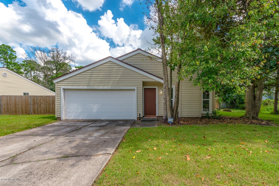 Real Estate Photography - 2515 WHITE HORSE RD, JACKSONVILLE, FL, 32246 - Location 1