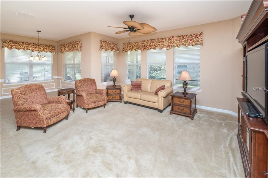 Real Estate Photography - 1398 Lexington Ave, Davenport, FL, 33837 - Location 13