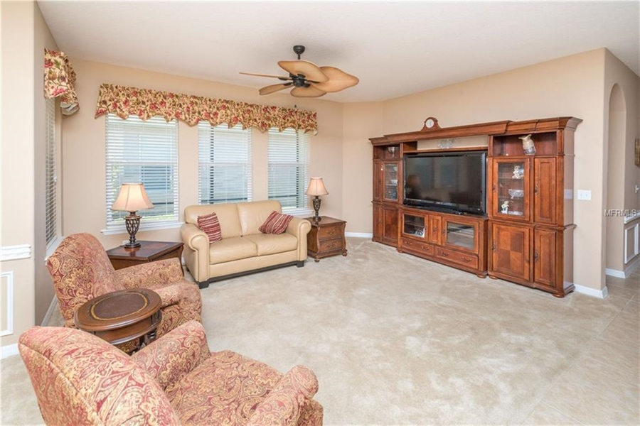 Real Estate Photography - 1398 Lexington Ave, Davenport, FL, 33837 - Location 14