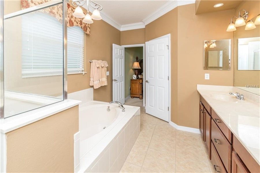 Real Estate Photography - 1398 Lexington Ave, Davenport, FL, 33837 - Location 19