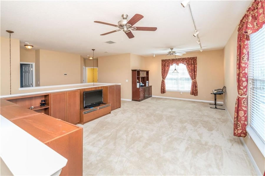 Real Estate Photography - 1398 Lexington Ave, Davenport, FL, 33837 - Location 24