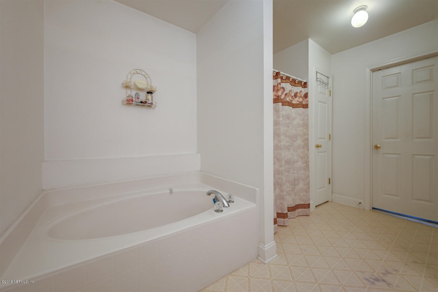 Real Estate Photography - 7525 Advantage Ct, Jacksonville, FL, 32277 - Location 23
