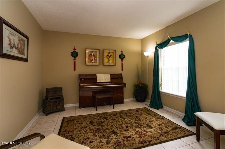 Real Estate Photography - 14631 Greenover Ln, Jacksonville, FL, 32258 - Location 6