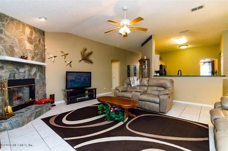 Real Estate Photography - 14631 Greenover Ln, Jacksonville, FL, 32258 - Location 12